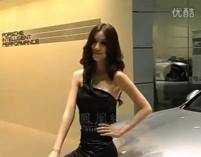 2011上海车展 保时捷车模性感甜美