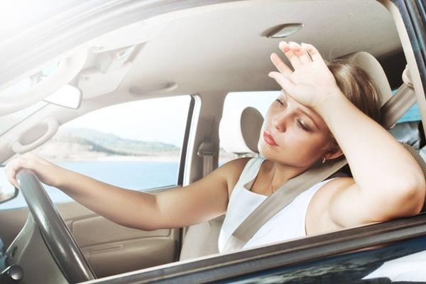 """女性开车注意事项 会开车的女人也可以""""咔咔的"""""""