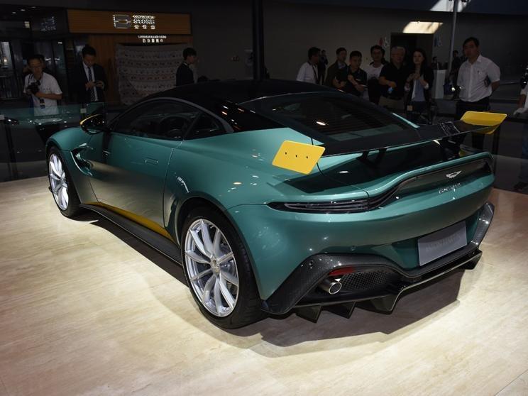 阿斯顿·马丁V8Vantag新车首次亮相广州车展
